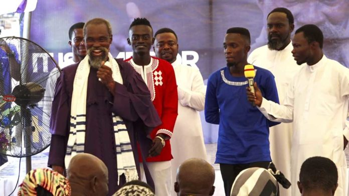 Prophet unites Kwadwo Nkansah Lilwin & Odehyieba; performs together