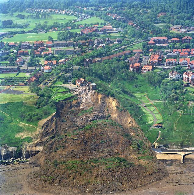 The Holbeck Hall landslide.  P707131. BGS Copyright NERC