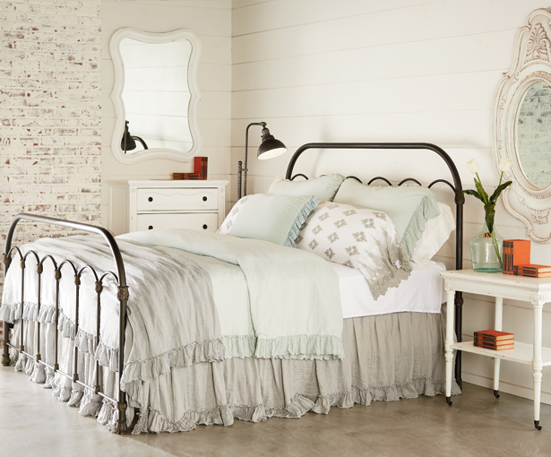 Bella blog fixer upper bedding - Magnolia bedding joanna gaines ...