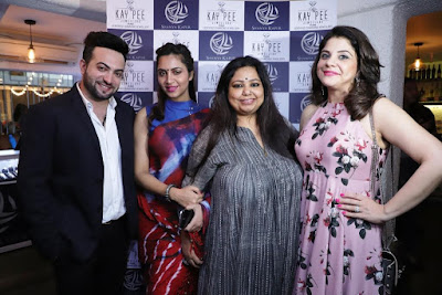 Jitesh-Nanwani-of-Kay-Pee-Jewellers-Arshi-Khan-designer-Nikhat-Mariyum-Neerushaa-and-Shanya-Kapur-at-Sonalli-Guptaas-Book-Launch