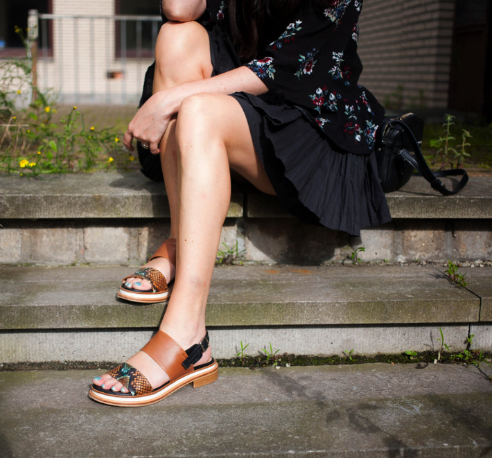 Zinda platform sandals