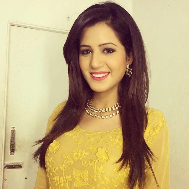 isha rikhi, 😊, Punjabi Actress Isha Rikhi Instagram pics in Salwar Kameez