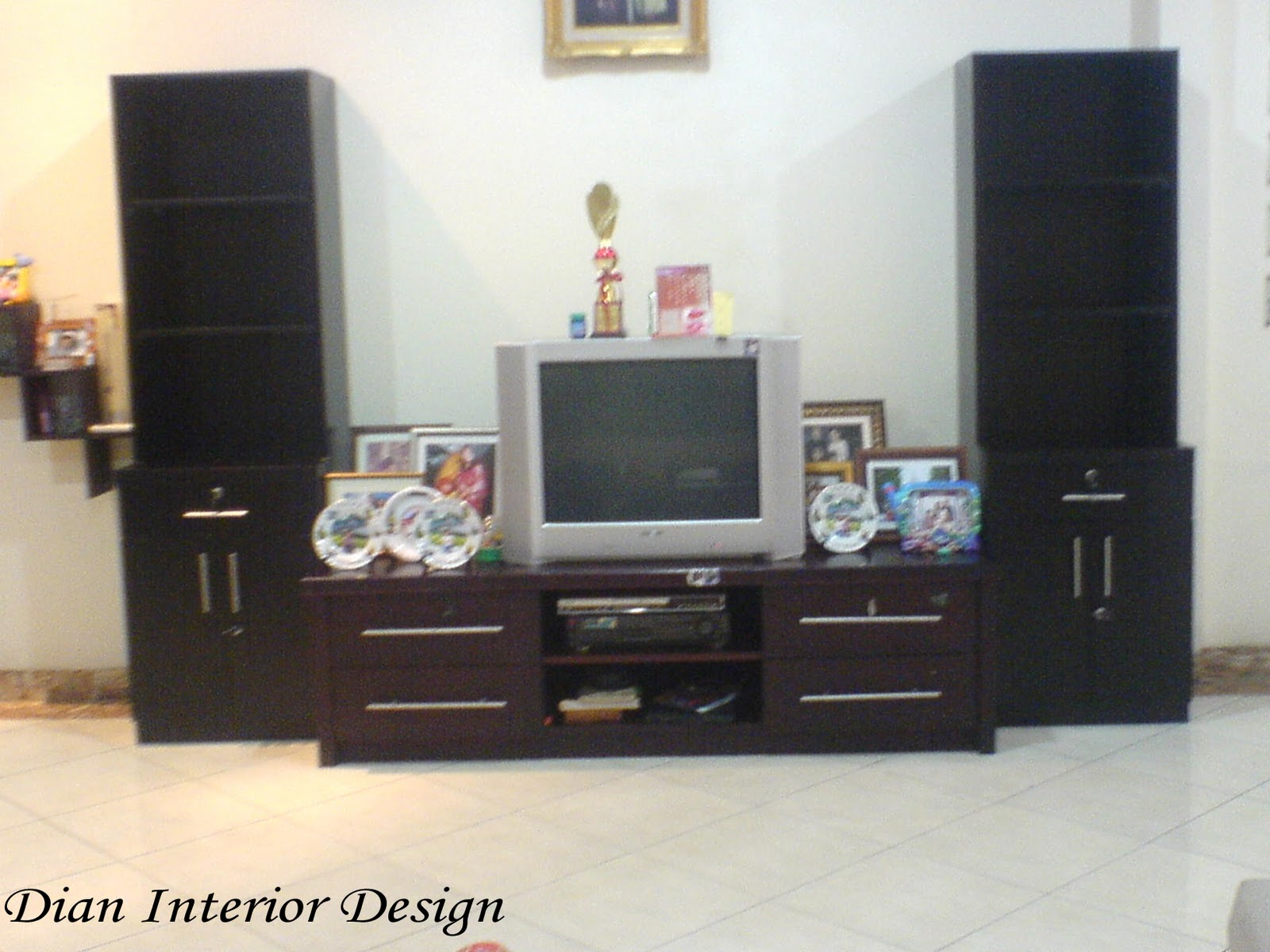 Rak Tv Rak Pajang Minimalis Dian Interior Design