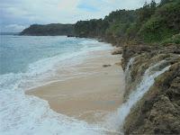 Air Terjun Pantai Pacar Pucanglaban Tulungagung