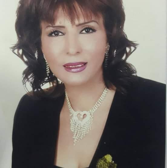 دينا خانكان تنال عضوية الشرف في نقابة الفنانبن