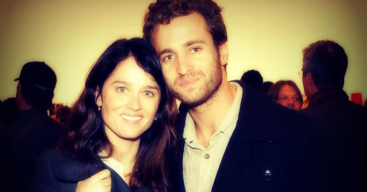 Robins Green Shades Robin Tunney Is Engaged