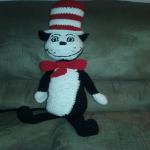 http://www.ravelry.com/patterns/library/cat-in-the-hat---crochet-large-amigurmi