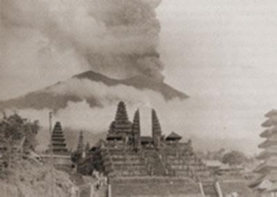 Legenda, Misteri dan Sejarah Letusan Gunung Agung