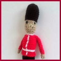 Guardia real amigurumi