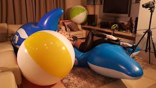 balon bentuk bulat dengan aneka warna dan ukuran