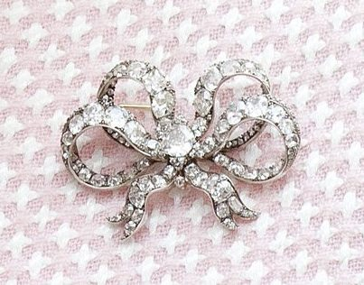 From Her Majesty S Jewel Vault Queen Victoria S Bow Brooches