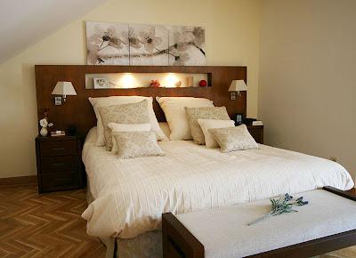 Como Decorar Un Dormitorio Con Mesillas De Espejo