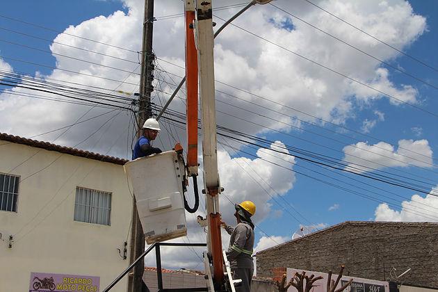 Nova rede de iluminação pública beneficiará comunidades de Delmiro Gouveia
