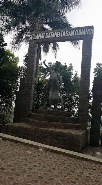 Misteri Patung Gandrung di Gumitir.
