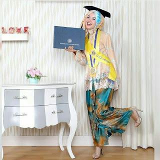 Kebaya Perpisahan Sekolah Hijab