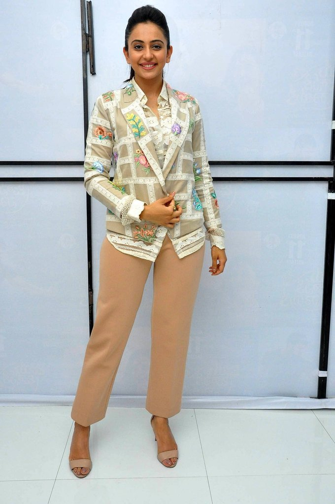 Rakul Preet Singh Grey Shirt Pant