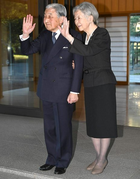 Emperor Akihito and Empress Michiko met President Juan Carlos Varela and Lorena Castillo. Takashimaya Nihonbashi department store in Chuo