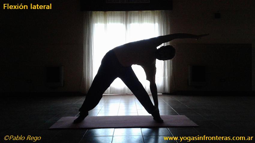 Yoga y columna vertebral: posturas de flexión lateral.