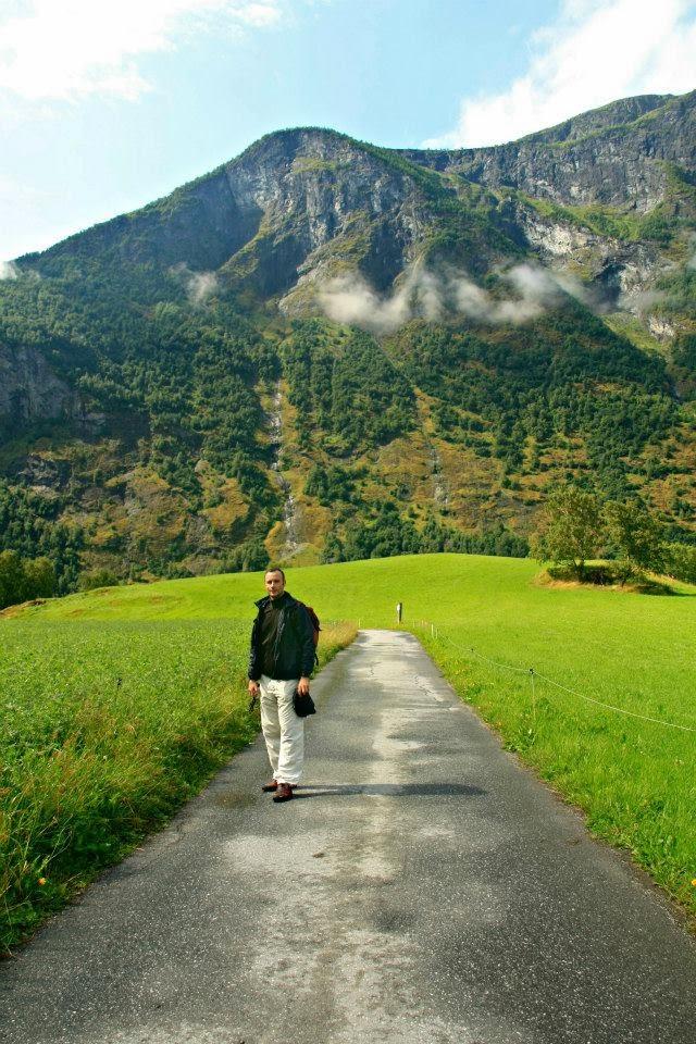Camino rural en los alrededores de Flam.