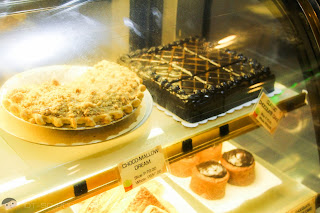 Apple Pie and Classic Chocolate Cake of Goodles