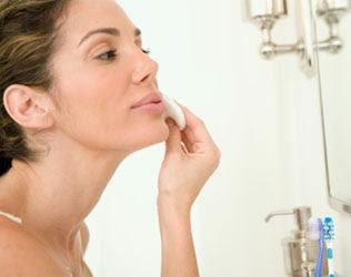 Aprenda a limpar corretamente sua pele
