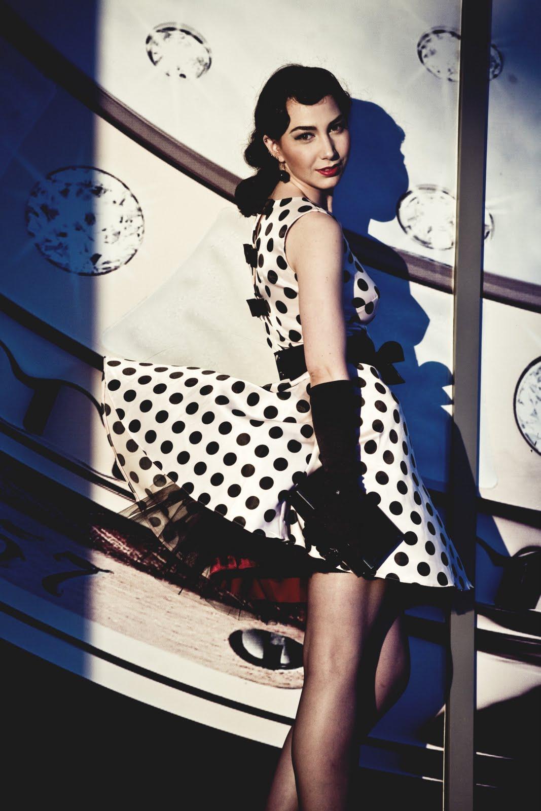 6f7bb14d8017 Dita Von Teese  vintage femme fatale. «…