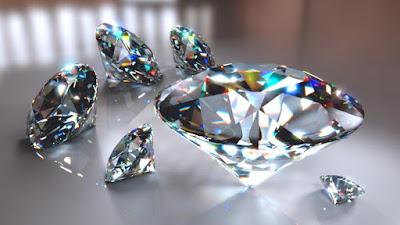 تفسيـر حلم الالماس الابيض أو عقـد الماس للمتزوجه أو رؤيـة فصـوص الالماس في المنام