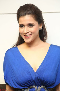 Mannara Chopra in Short Blue Dress at Rogue Movie Teaser Launch 1st March 2017 118.JPG