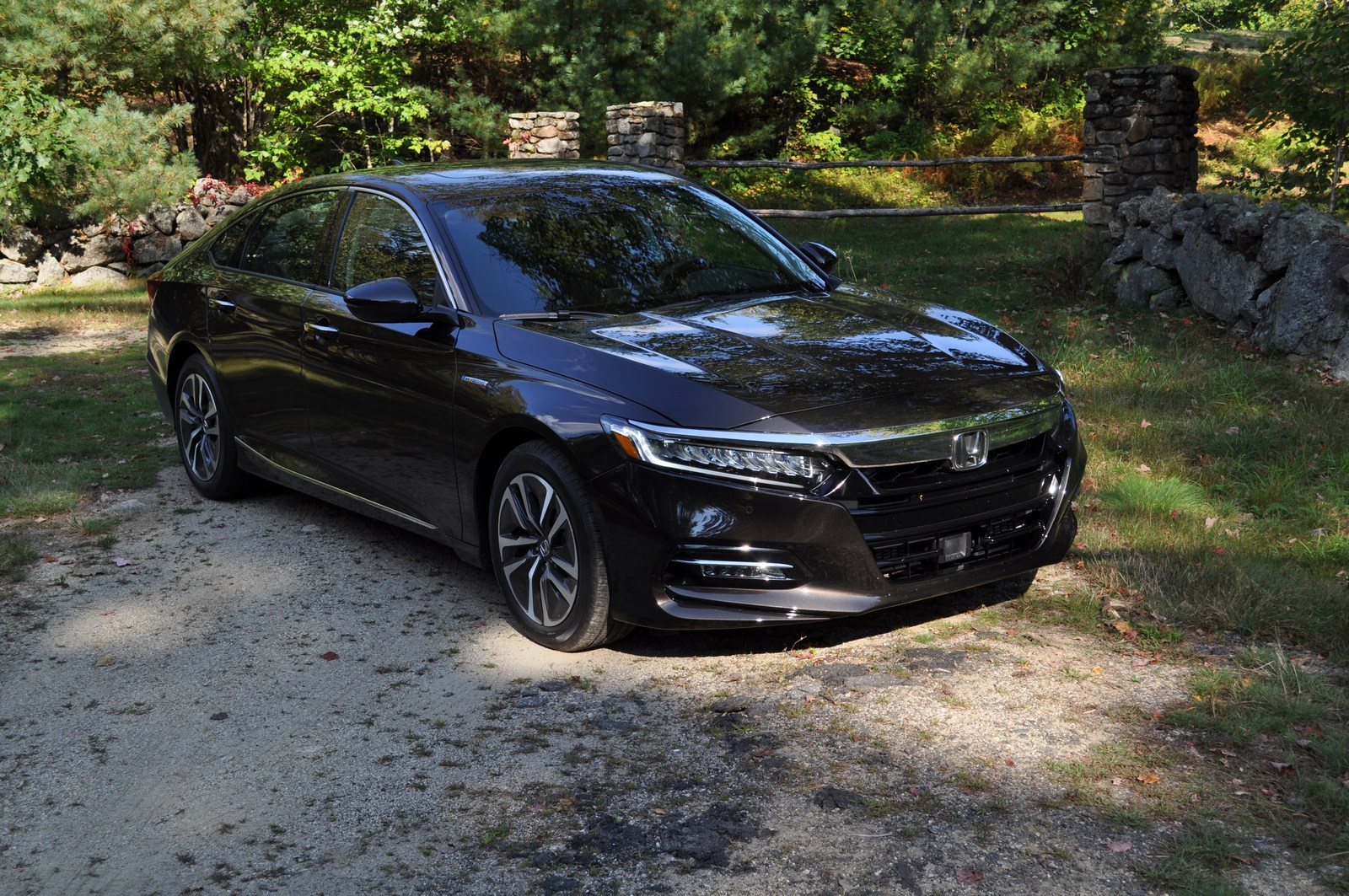 first drive 2018 honda accord hybrid is a no compromise. Black Bedroom Furniture Sets. Home Design Ideas
