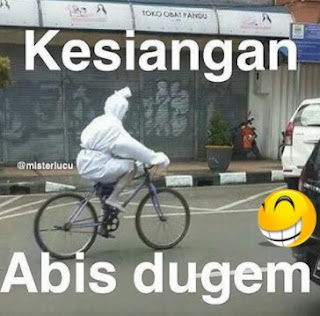 Gambar Pocong Habis Dugem