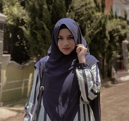 Davina Karamoy Berhijab 6