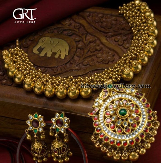 Swirls Kundan Set by GRT Jewellers