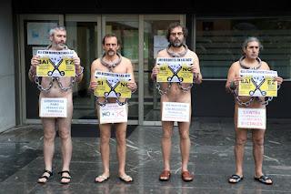 Protesta desnudos