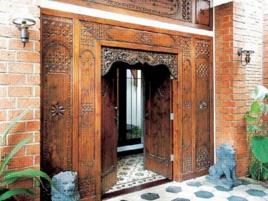 pintu kupu tarung ukir 2