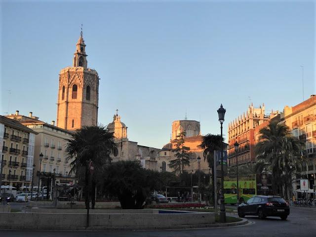 plaza de la reina di valencia
