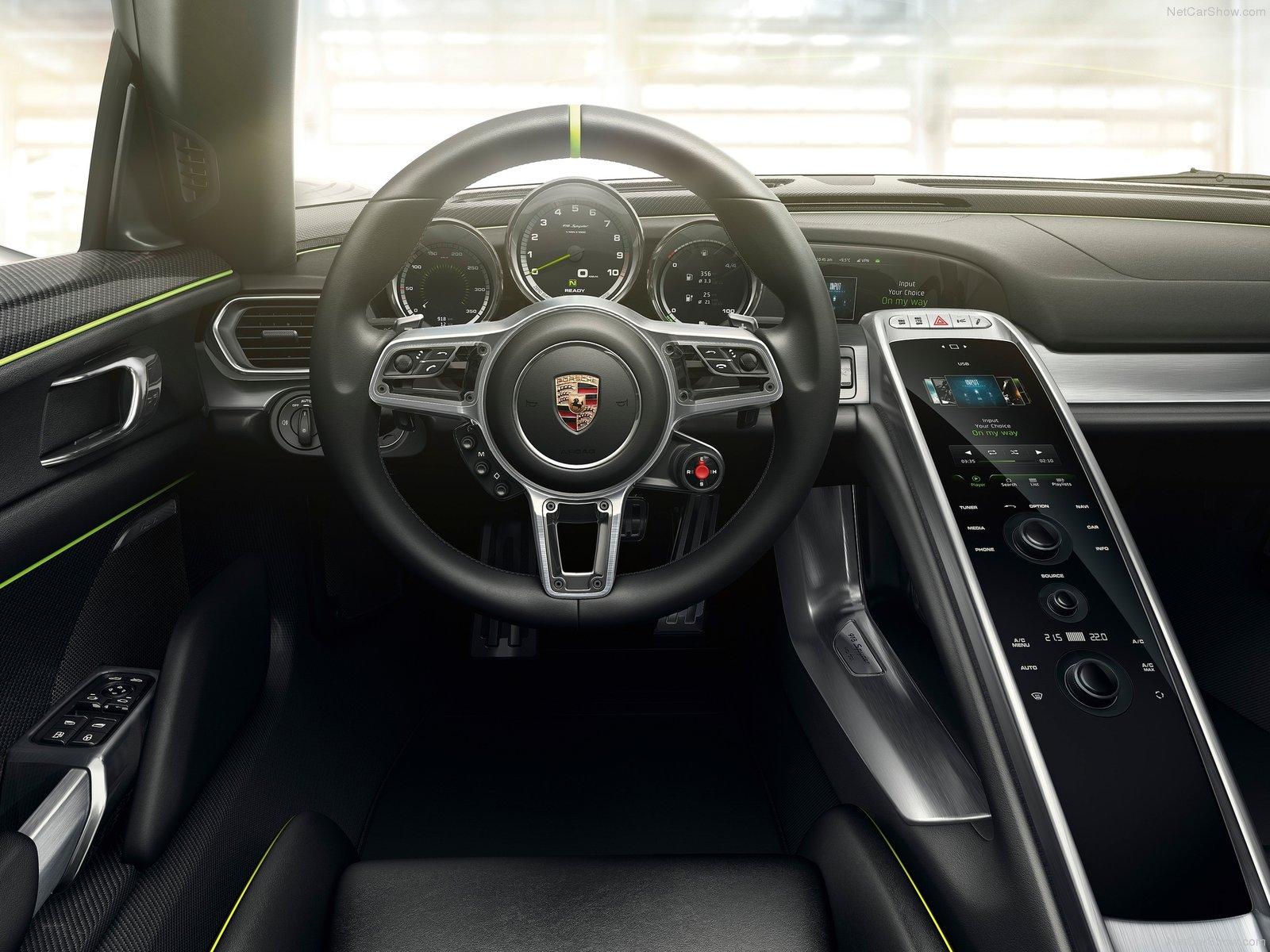 Porsche-918- 2015 Interior - Sports Car
