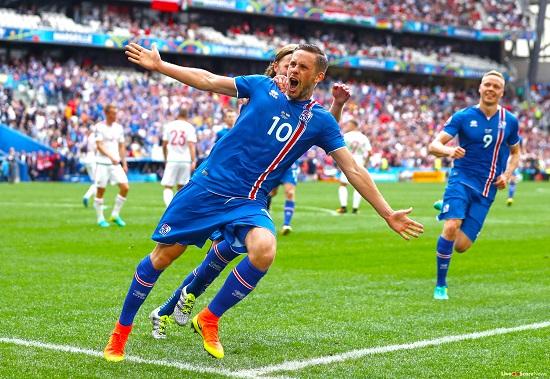 Iceland 2-0 Kosovo