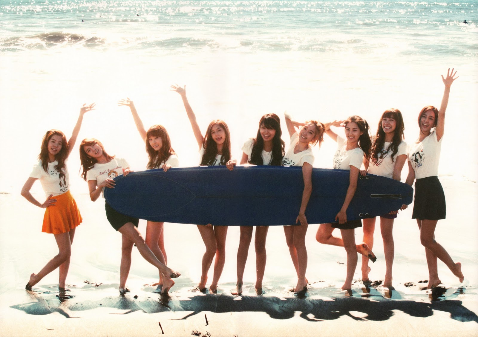 Snsd Artistic Gallery Girls Generation Holds Surfboard At The