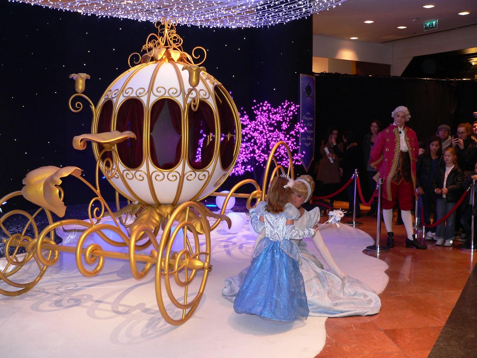 814fe0d07baaa ... Lafayette la célèbre princesse est venue nous saluer en carrosse  accompagnée de ses fidèles serviteurs et 3 petits bouts de choux sont  arrivés pour lui ...