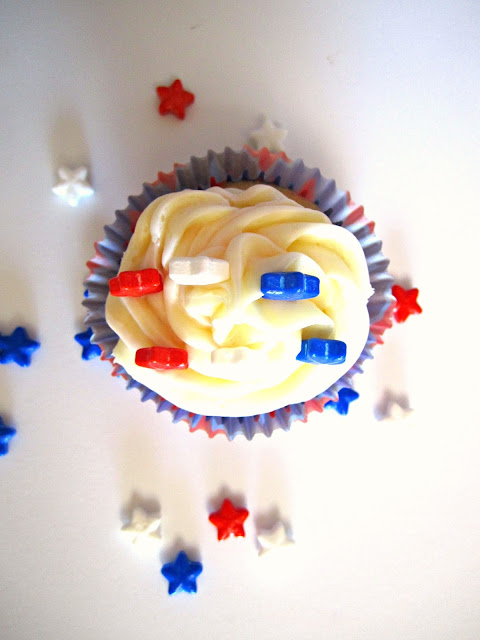 Cupcakes, cupcake toppers, patriotic cupcakes, Fizzy Party