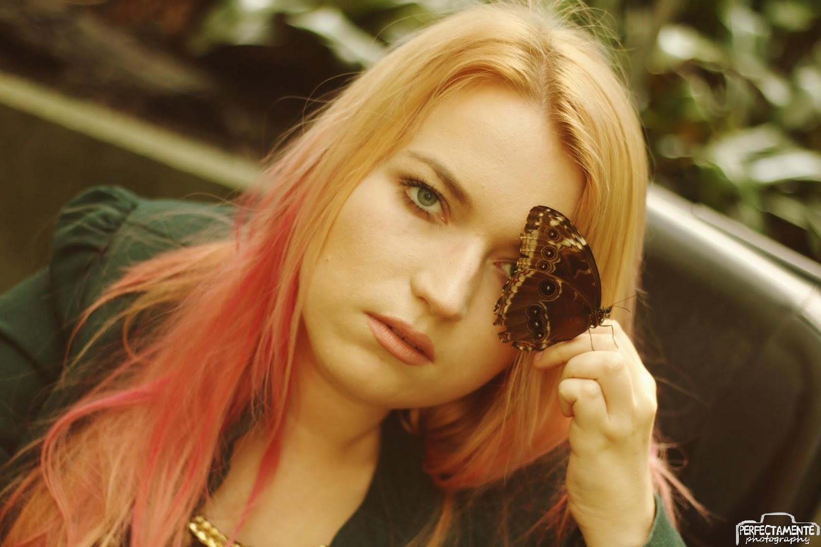 blond róż włosy