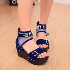 Model Sepatu Sandal Wanita Branded Terbaru