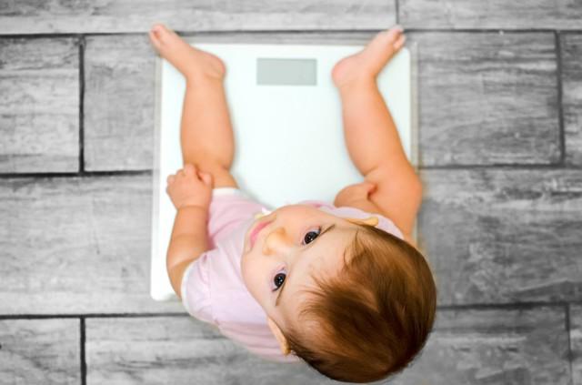 أشياء ضارة قد تؤثر على الطفل الرضيع