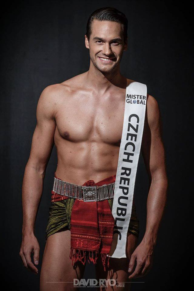 Vmi Calendar May : The pageant crown ranking mister global