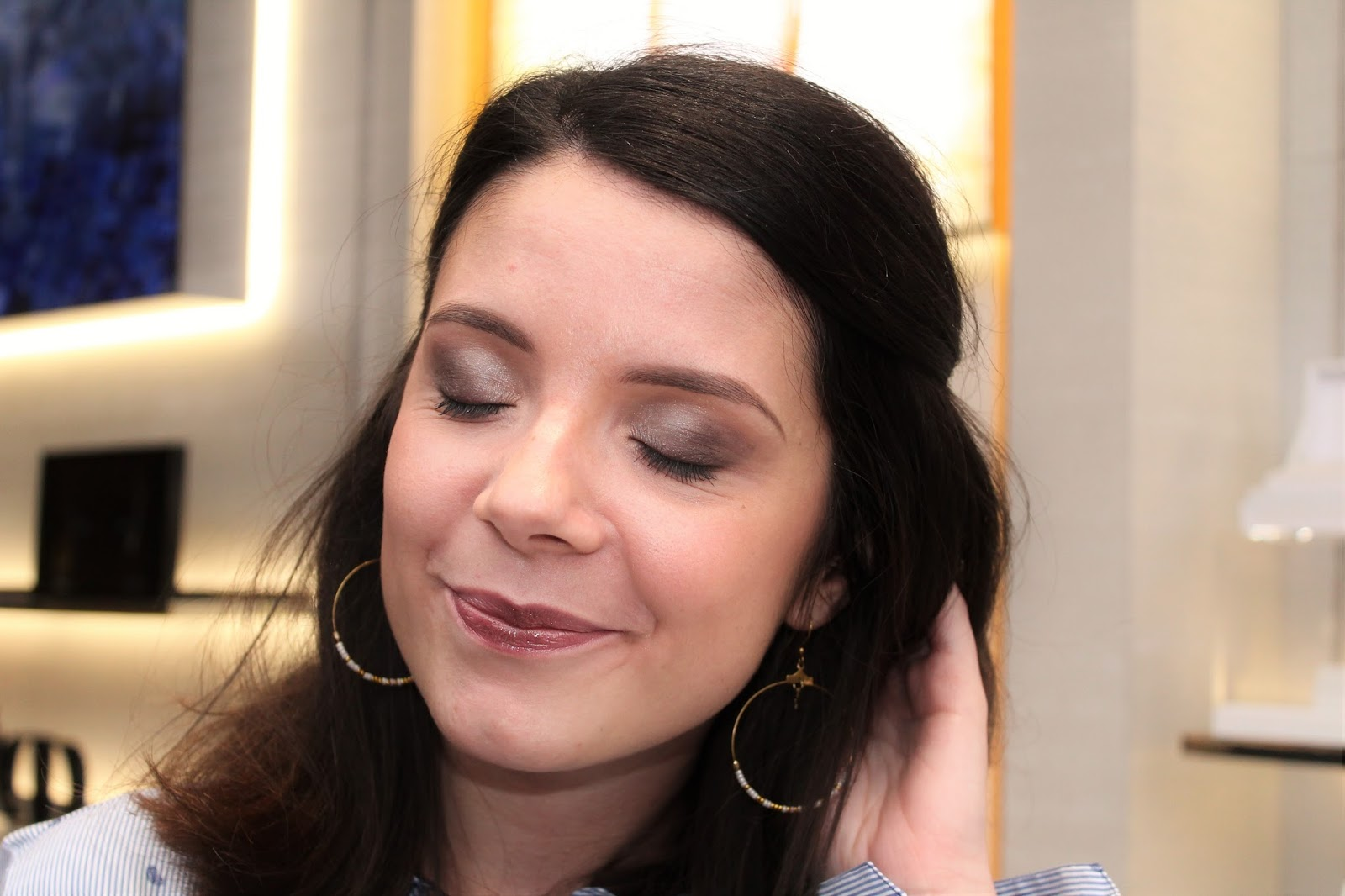 make up makeup mu mua maquillage dior ambassadeurparly2 ambassadeur parly 2 parly2 tuto tutoriel vidéo leçon comment se maquiller apprendre parisian sky skyline backstage pro rosy glow mascara diorshow diorskin capture dreamskin one essential nude quotidien facile les gommettes de melo melo gommette melogommette le chesnay boutique corner