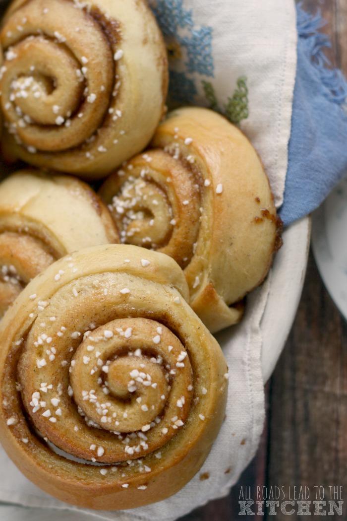 swedish cinnamon buns kanelbullar