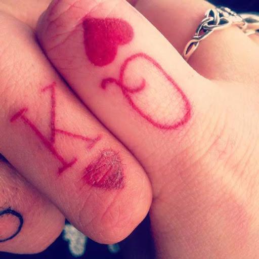 O rei e a rainha de copas dedo, tatuagens