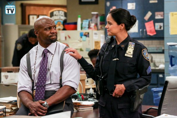 """NUP 184201 1783 595 Spoiler%2BTV%2BTransparent - Brooklyn Nine-Nine (S06E02) """"Hitchcock & Scully"""" Episode Preview"""