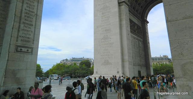 Acesso ao Arco do Triunfo, Paris