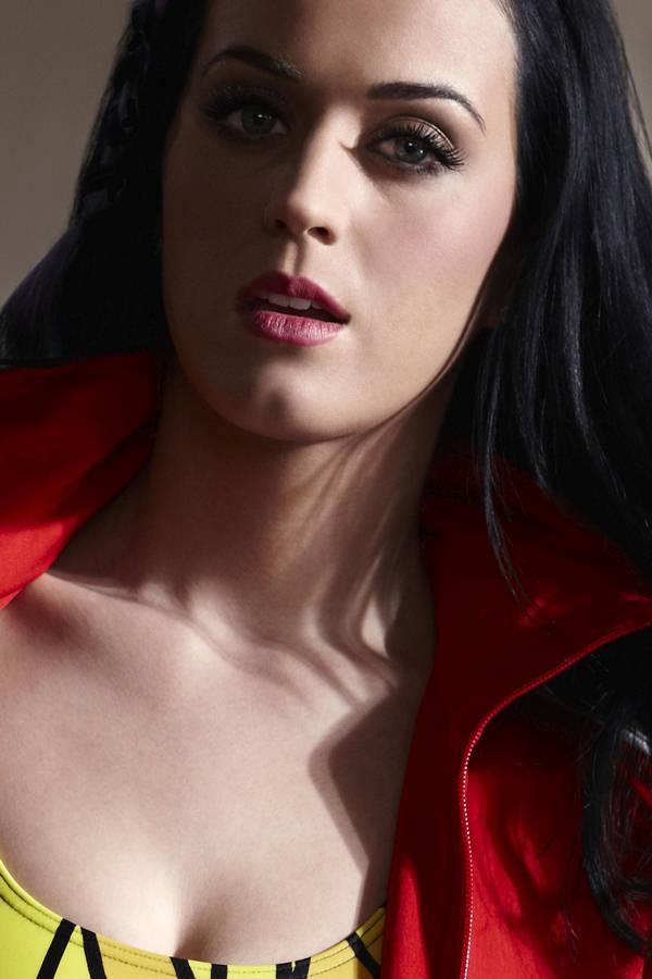 Celebrity Photos Katy Perry Sensual Open Mouth Bikini